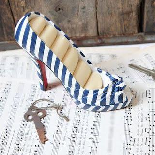 da0d4d128fa6 Repurpose high heels for ring displays!