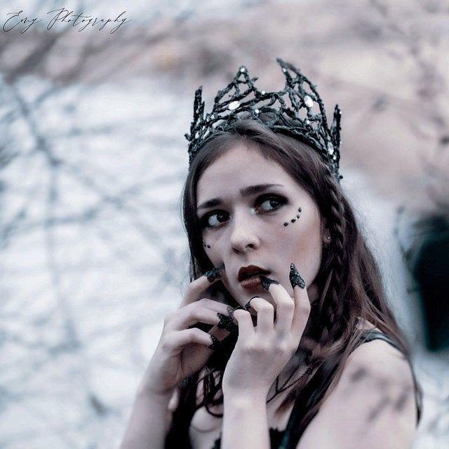 Witch crown gothic dark fairy tiara queen gothic headdress cosplay crown Fairytale gothic bride#bride #cosplay #crown #dark #fairy #fairytale #gothic #headdress #queen #tiara #witch