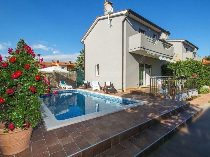 Sommerküche Terrasse : M² ferienhaus in labin für personen terrasse pool