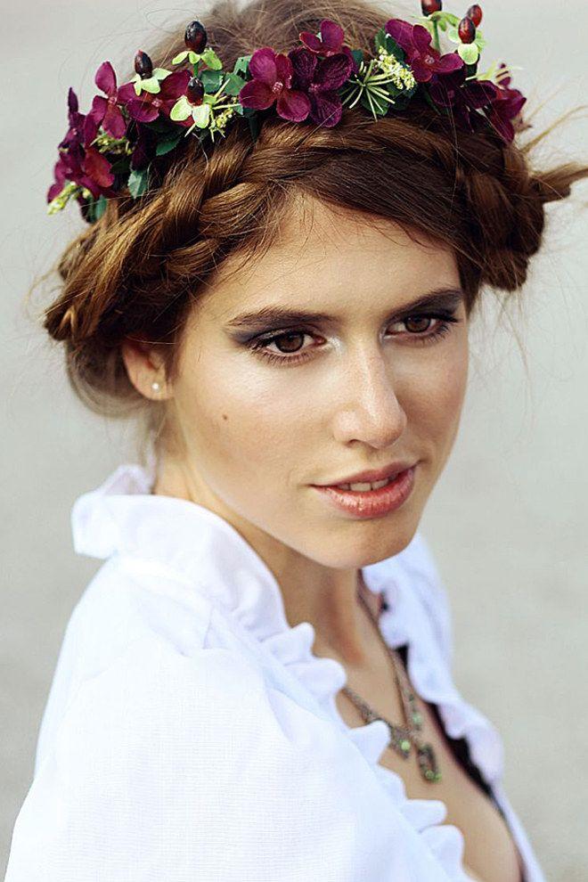 Zu Viele Verbindungen Oktoberfest Frisur Frisur Blumenkranz Dirndl Frisuren Blumenkranz