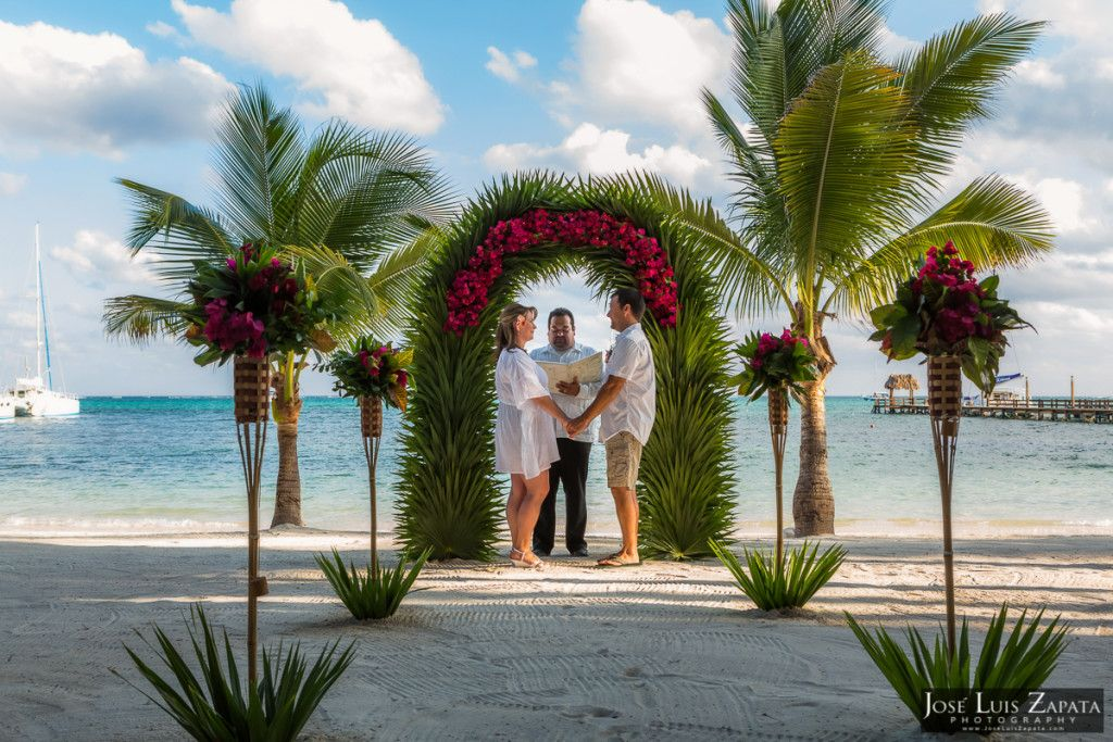 San Pedro, Ambergris Caye, Belize | Ramon's Village Beach Elopement | Belize Weddings | Jose Luis Zapata Photography