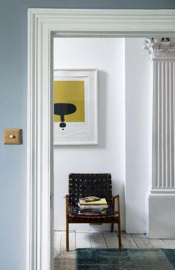Deco vintage, couleur récup, bonnes idées Staircases and Salons - Decoration Encadrement Porte Interieur
