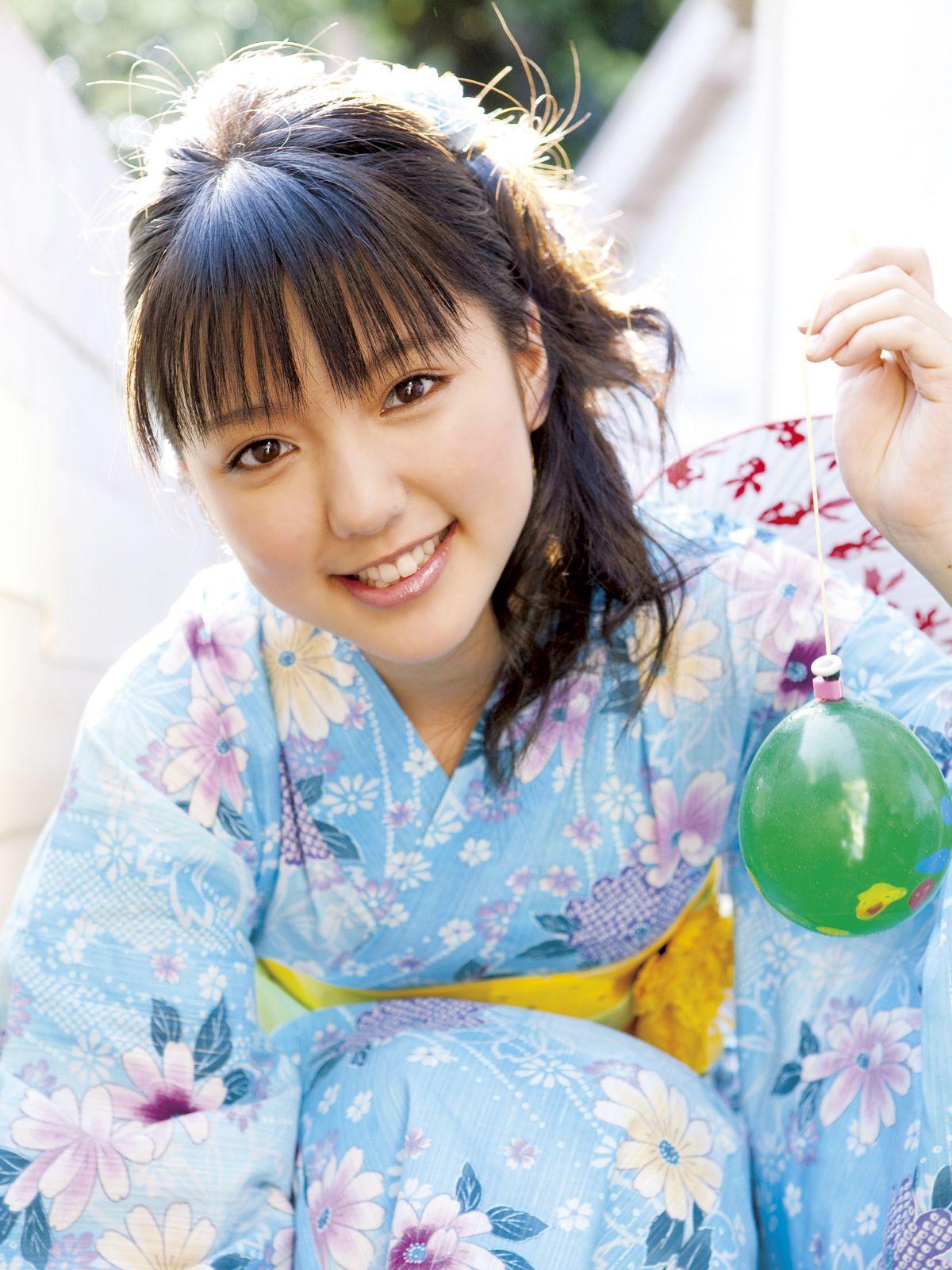 acb2d9ea8 Erina Mano #cute Pop Singers, Japanese Kimono, Japanese Girl, Yukata,  Japanese