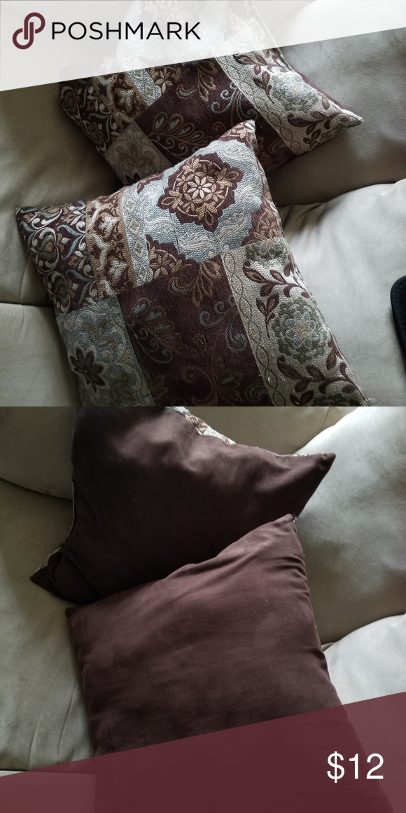 💙🌼Two Decorative Pillows🌼💙 Washed And Clean Better Homes Custom Cleaning Decorative Pillows