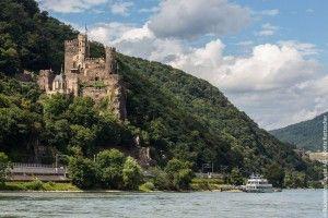 10 Grunde Fur Eine Reise Nach Rudesheim Im Rheingau Rheingau Wunderschone Reiseziele Deutsche Landschaft