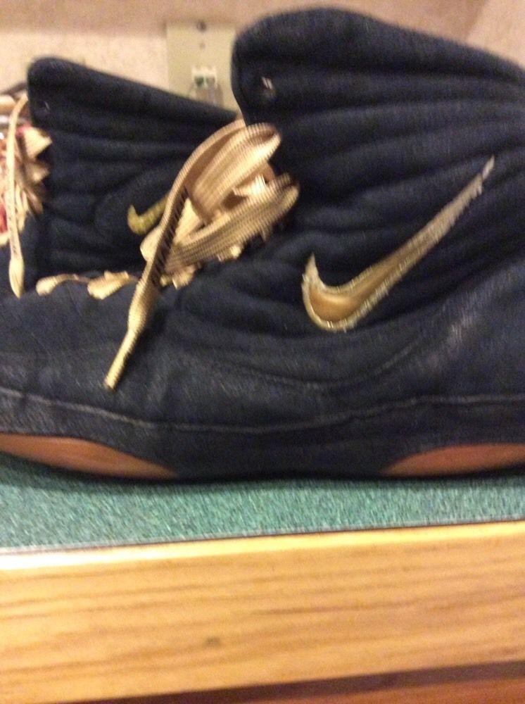 8c0e1bc604fbd0 Nike Legit Inflicts 1 Origonal Rare Wrestling Shoes Size 10.5