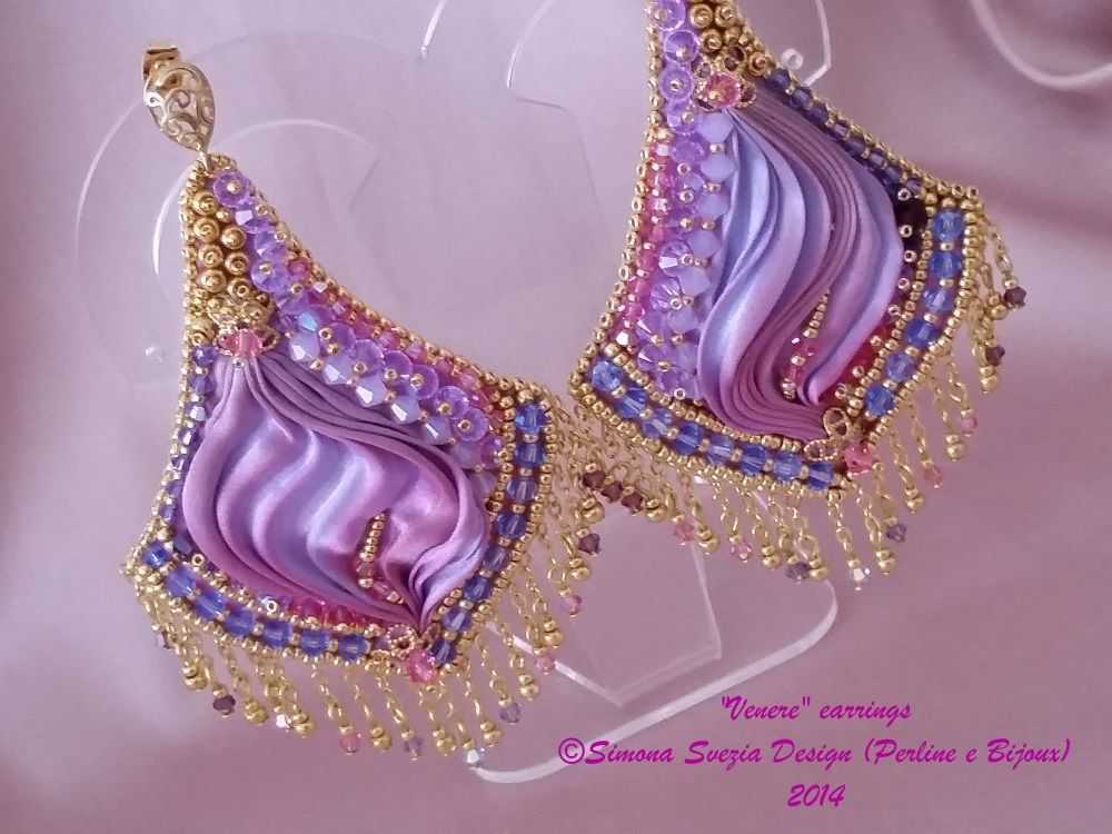 VENERE earrings ©Simona Svezia Design (Perline e Bijoux), 2014 https://www.etsy.com/it/shop/PerlineeBijoux http://www.misshobby.com/it/negozi/perline-e-bijoux https://www.facebook.com/pages/Perline-e-Bijoux/222239377917891
