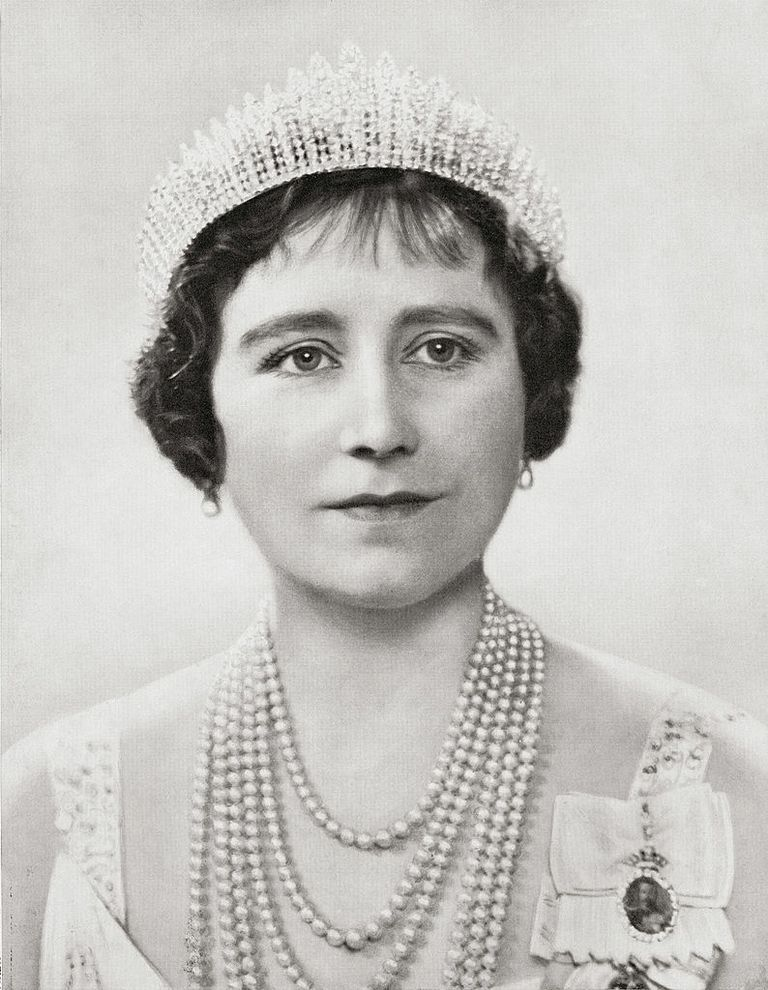 34 Things You Didn T Know About Queen Elizabeth Queen Elizabeth Princess Elizabeth Queen Mother
