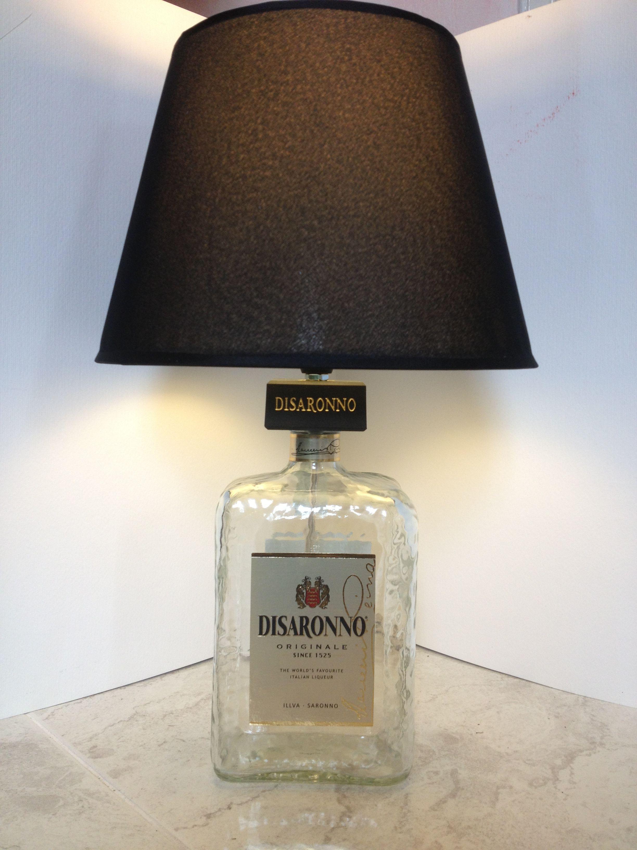 Lampadari Fatti Con Bottiglie Di Vetro.Lampadario Con Bottiglie Great Lampadario Con Bottiglie