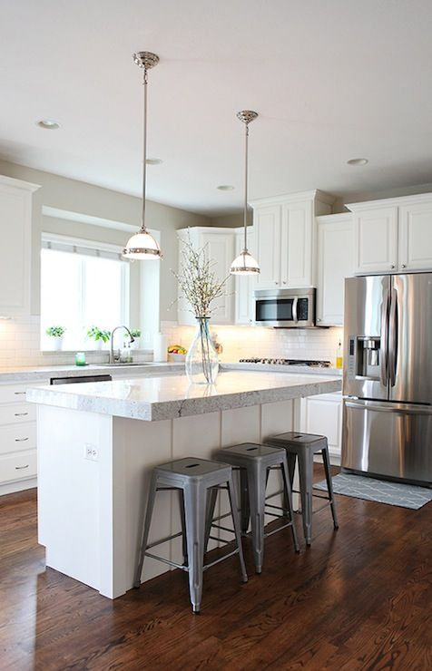 This Is More Traditional Than I Like But I Like How Light It Is Like The Color Of Counters Like Kitchen Remodel Small Diy Kitchen Renovation Kitchen Layout