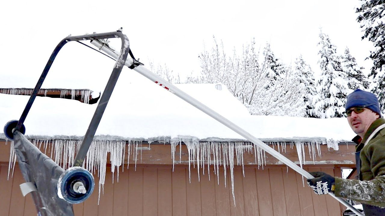 Amazing Hack Removes Snow From Roof Snow Removal Snow Rake Snow Cleaning
