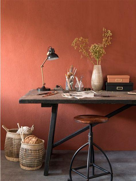 La couleur terracotta impose sa teinte ensoleillée dans la maison