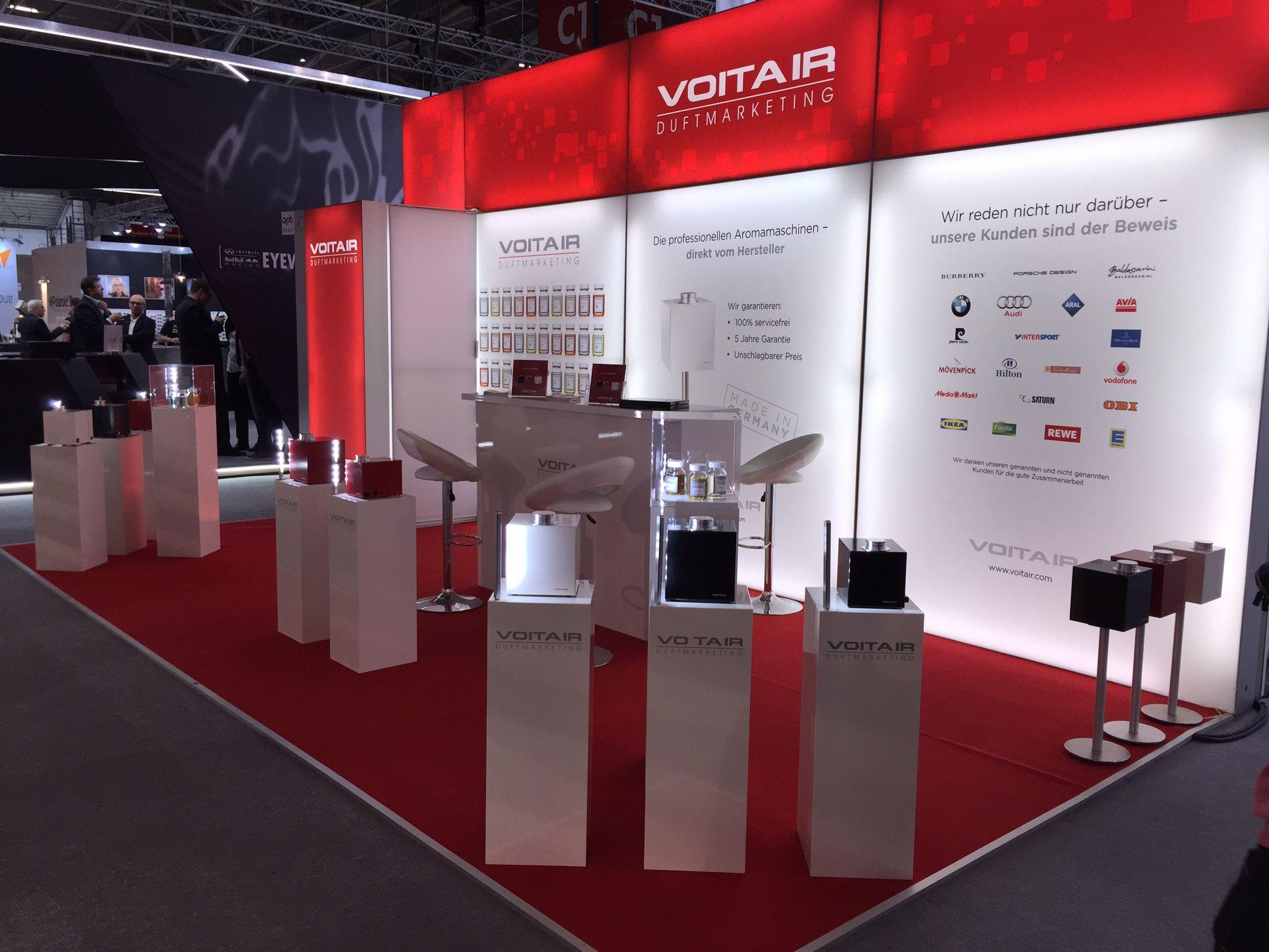 Solits Sockel auf der Messestand von Voitair GmbH, Duftmarketing. www.voitair.com und www.sockelundsaeulen.de