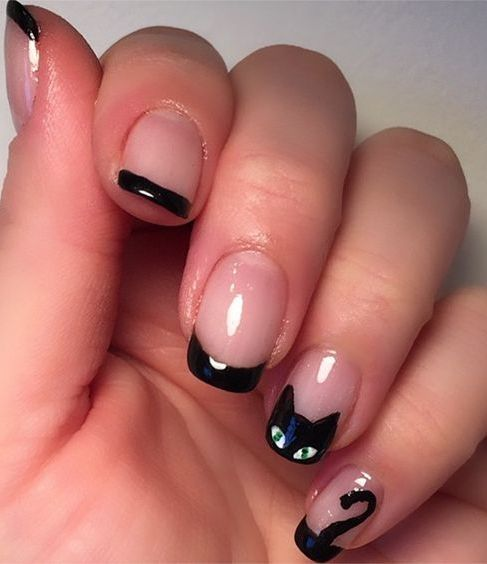 For more inspiration follow me on instagram lapurefemme or click on photo to visit my blog nail art