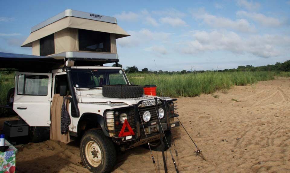 Land rover defender pinterest for Garage land rover villeneuve d ascq