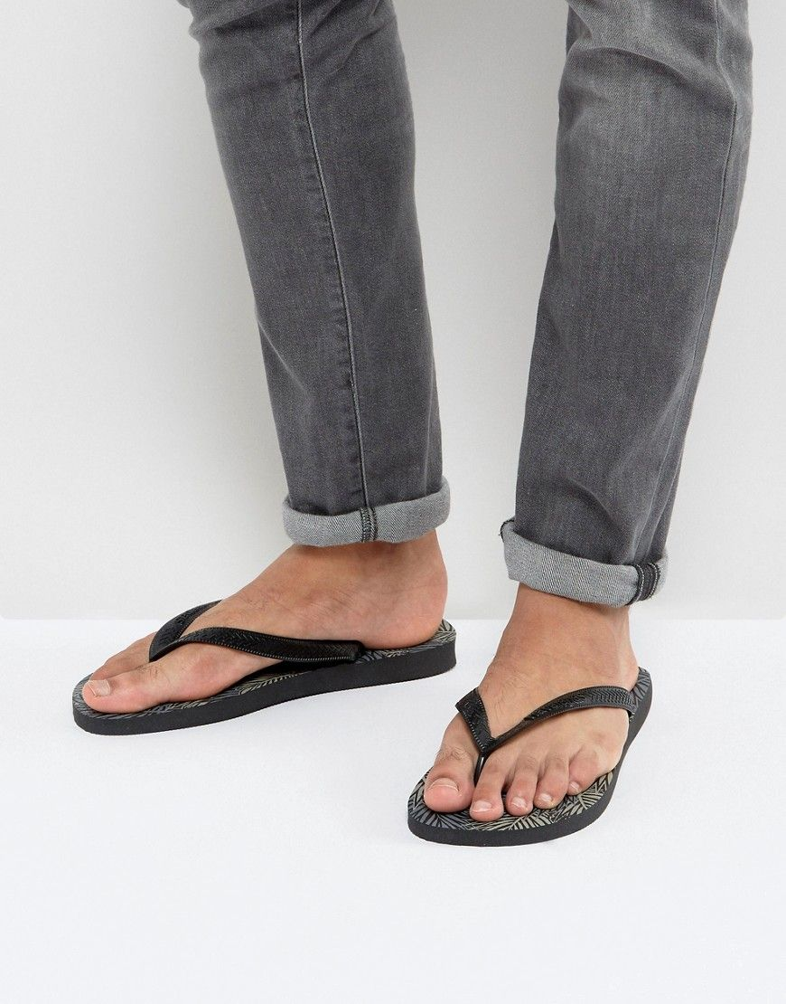 9393fea195b22 Get this Havaianas s flip flops now! Click for more details. Worldwide  shipping. Havaianas