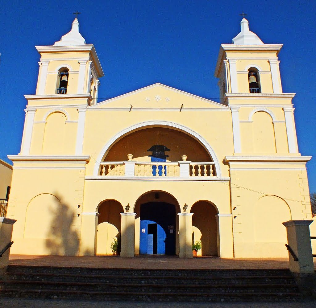 'Iglesia San Carlos Borromeo'  Valle Calchaquí, #Churches #Iglesias  #Salta  #Argentina / Beautiful Colonial style Spanish Church in creamy yellowish & white finishing and double bell tower / Hermosa Iglesia stilo Colonial Español en color amarillo cremoso con acabdos blancos y dobles campanarios.