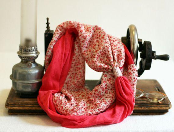 http://www.alittlemarket.com/echarpe-foulard-cravate/fr_snood_souple_double_ou_triple_puce_enchantee_par_violette_et_grenadine_-17308349.html