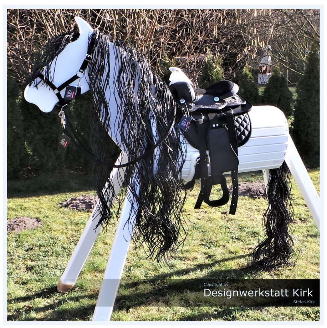 Holzpferd Chanise In Weiss Holzpferd Pferde Grundfarben