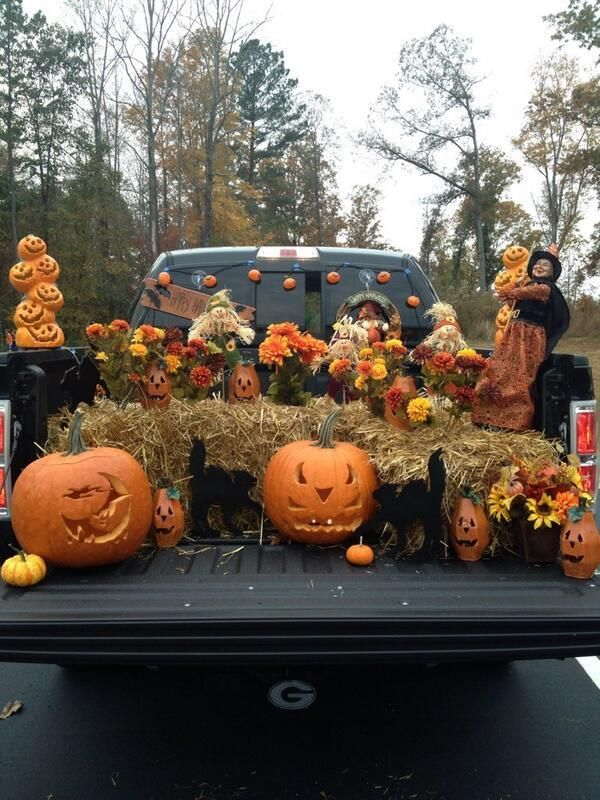50 Trunk-or-Treat Decorating Ideas You Wish You Had Time For - halloween decorated cars