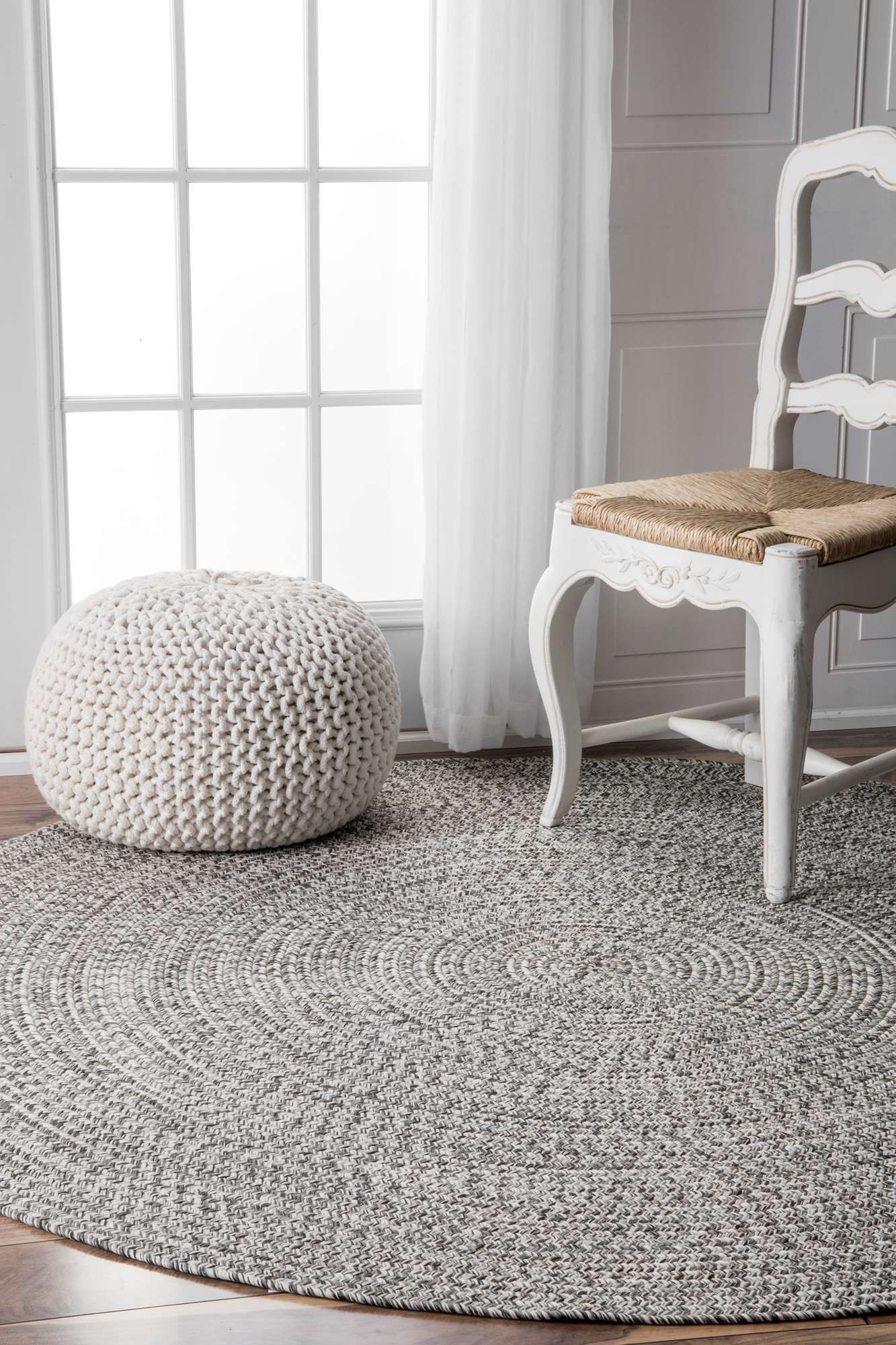 Bring This Contemporary And Braided Rug To Give An Elegant And Chic Look To Your Home Made Of 100 Percent Polypropylene Fiber The Rug Is Thin Tapetes Quartos