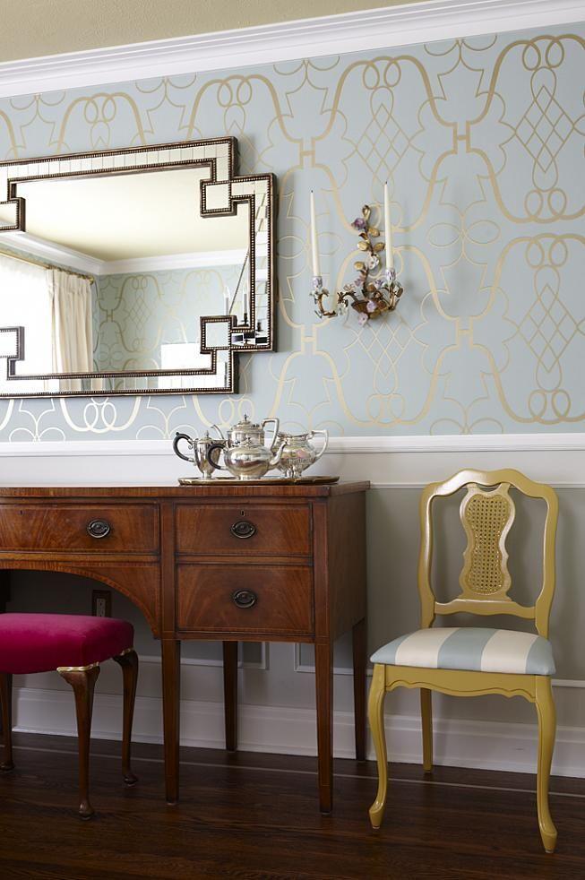 sarah richardson sarah 101 dining room sideboard mirror yellow chair - schöne tapeten fürs wohnzimmer