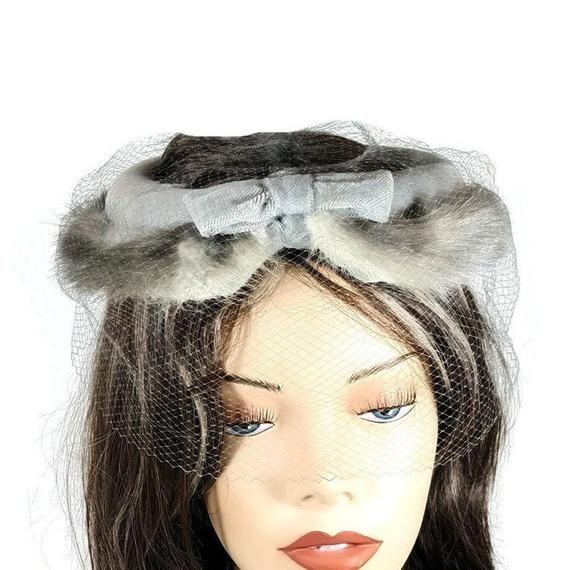 Gray Fur Fascinator Vintage Church Hat with Veil Winter Dressy Hat 1970's Retro Fashion #fascinatorstyles