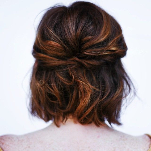 A little short hair styling inspiration.  great shot and work @mollystilley #shorthair #bridal #shortbridalhair