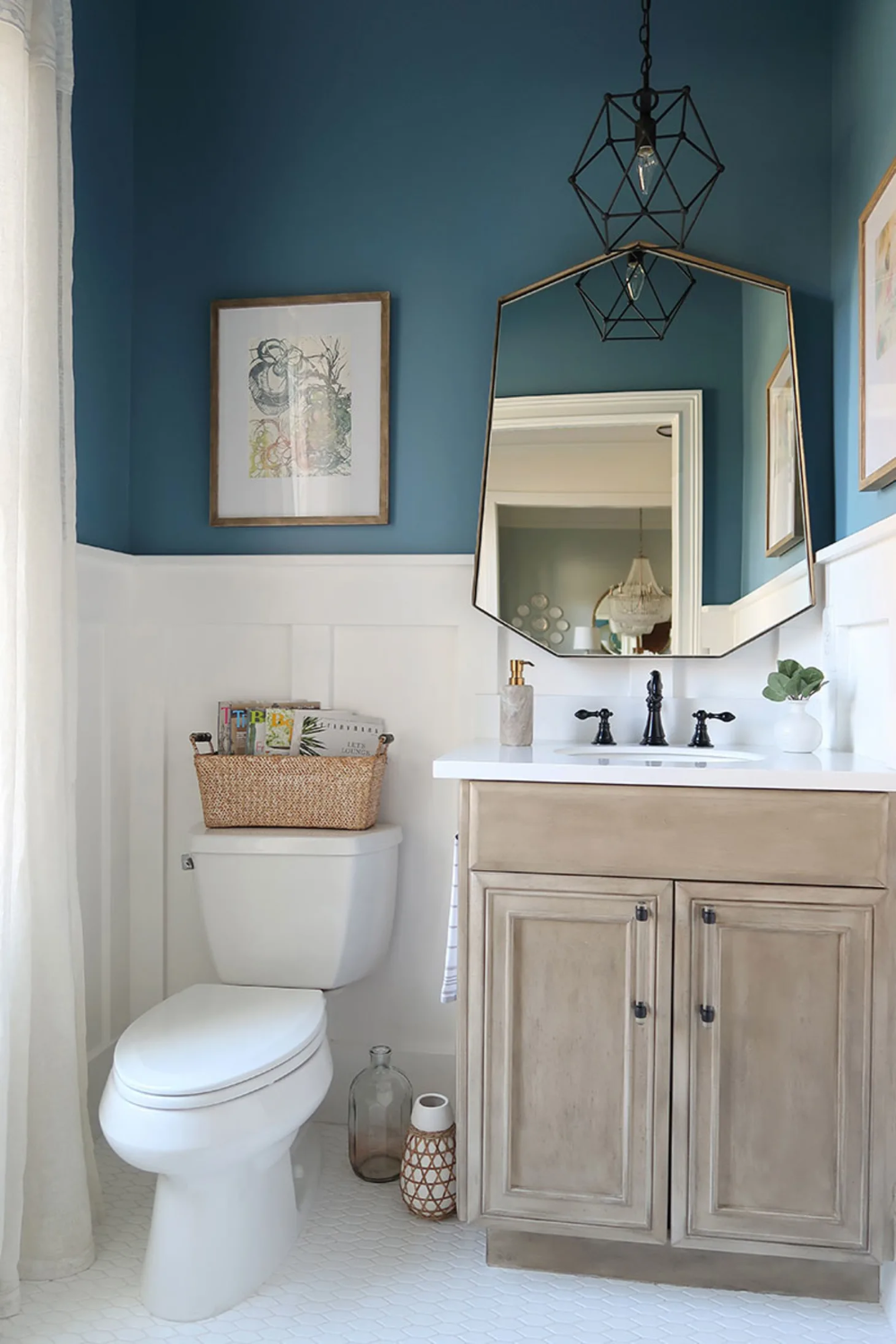 16 Perfect Paint Shades For Your Bathroom In 2020 Bathroom Paint Colors Best Bathroom Colors Bathroom Color Schemes