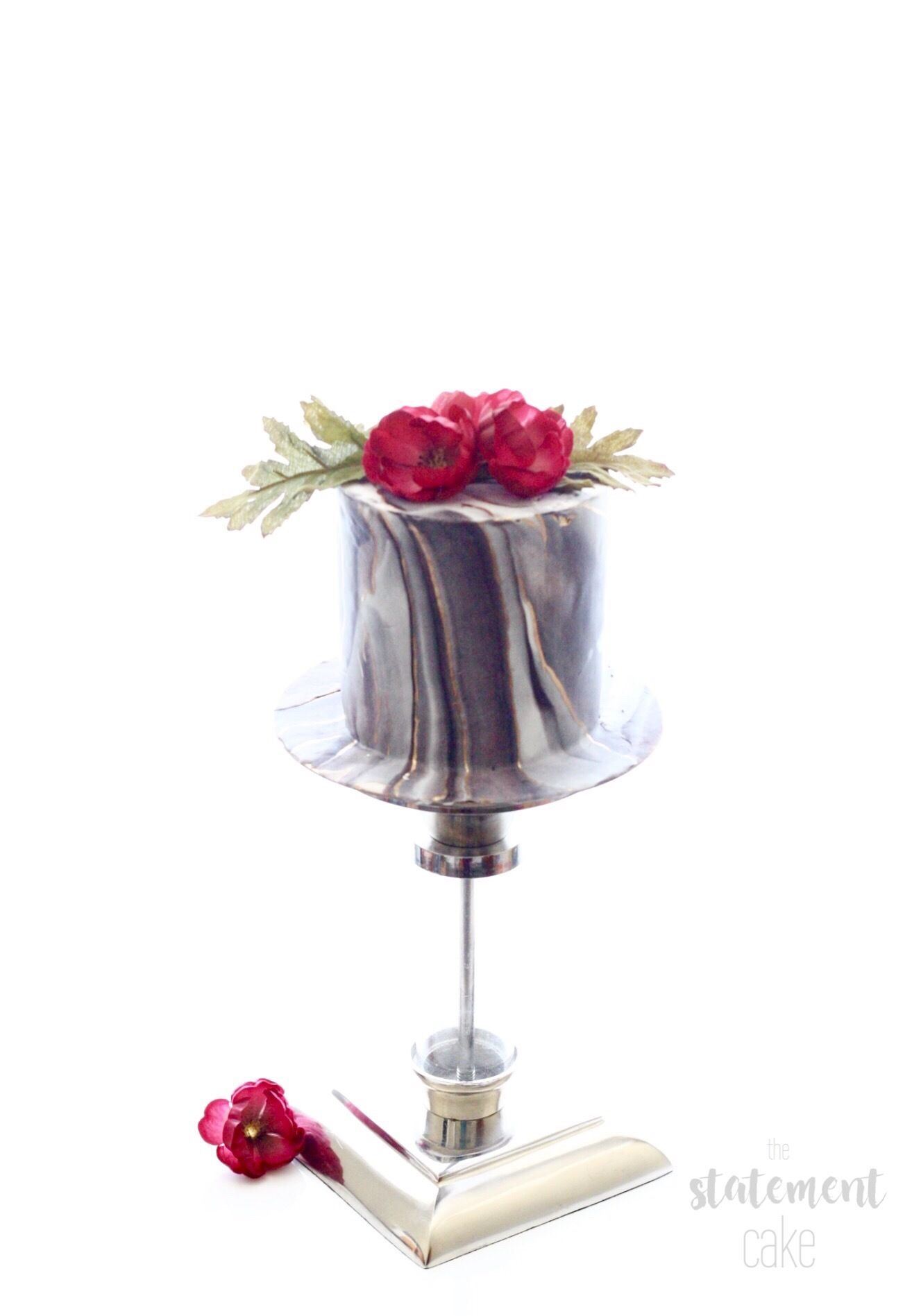 Gray marbled mini wedding cake by sadra safraz on satinice