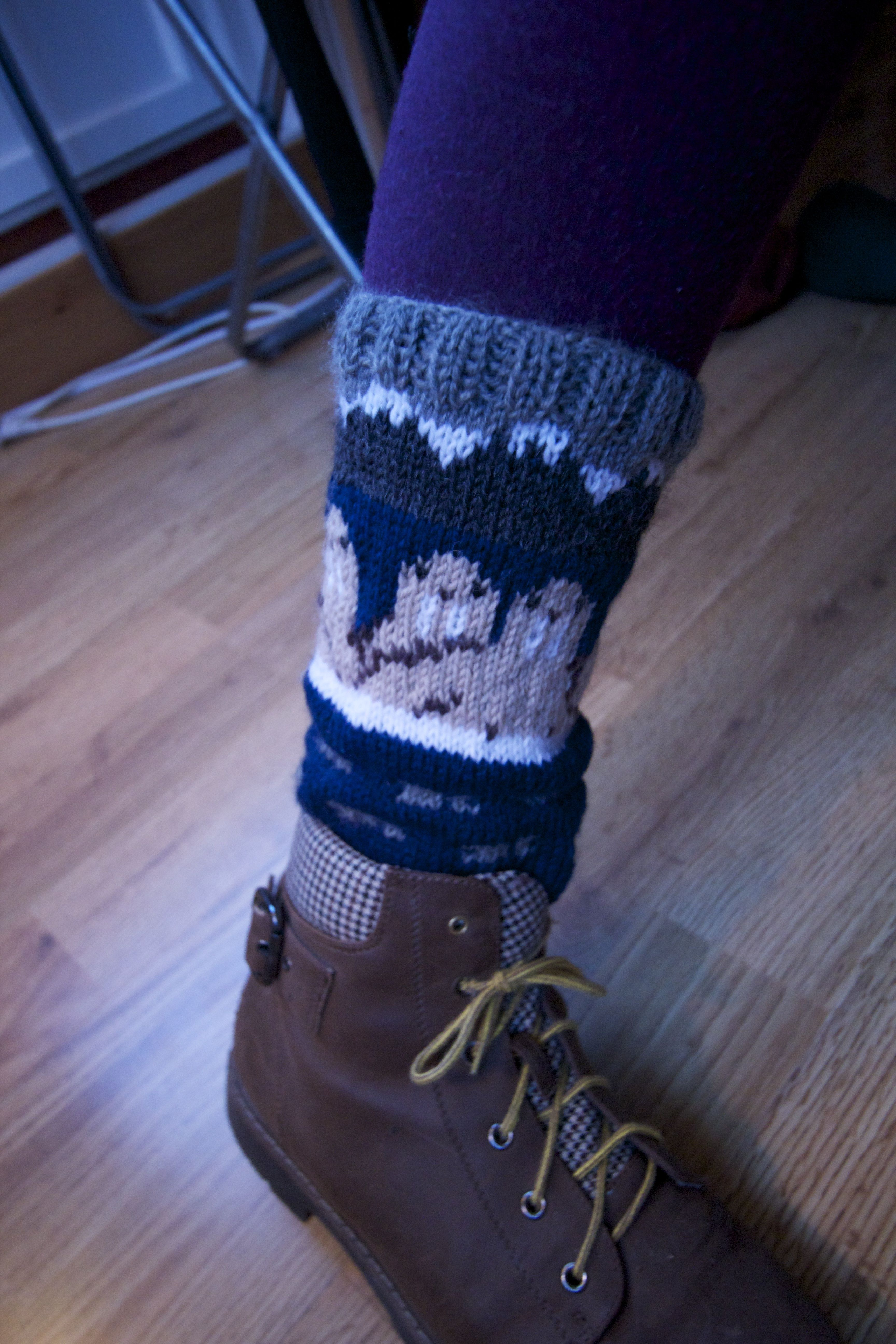 I made some Arctic leg-warmers, with walruses :)
