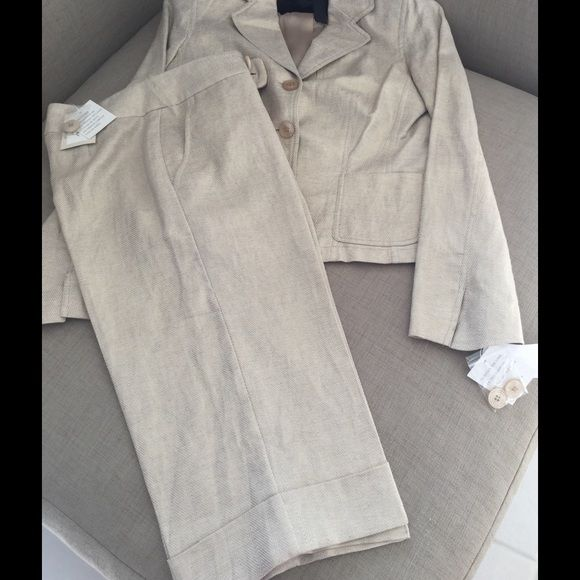 Gold pattern pantsuit Gold ,style zigzag pattern ,pants, just below knee length, fabric, linen55%  cotton45% ECI Other