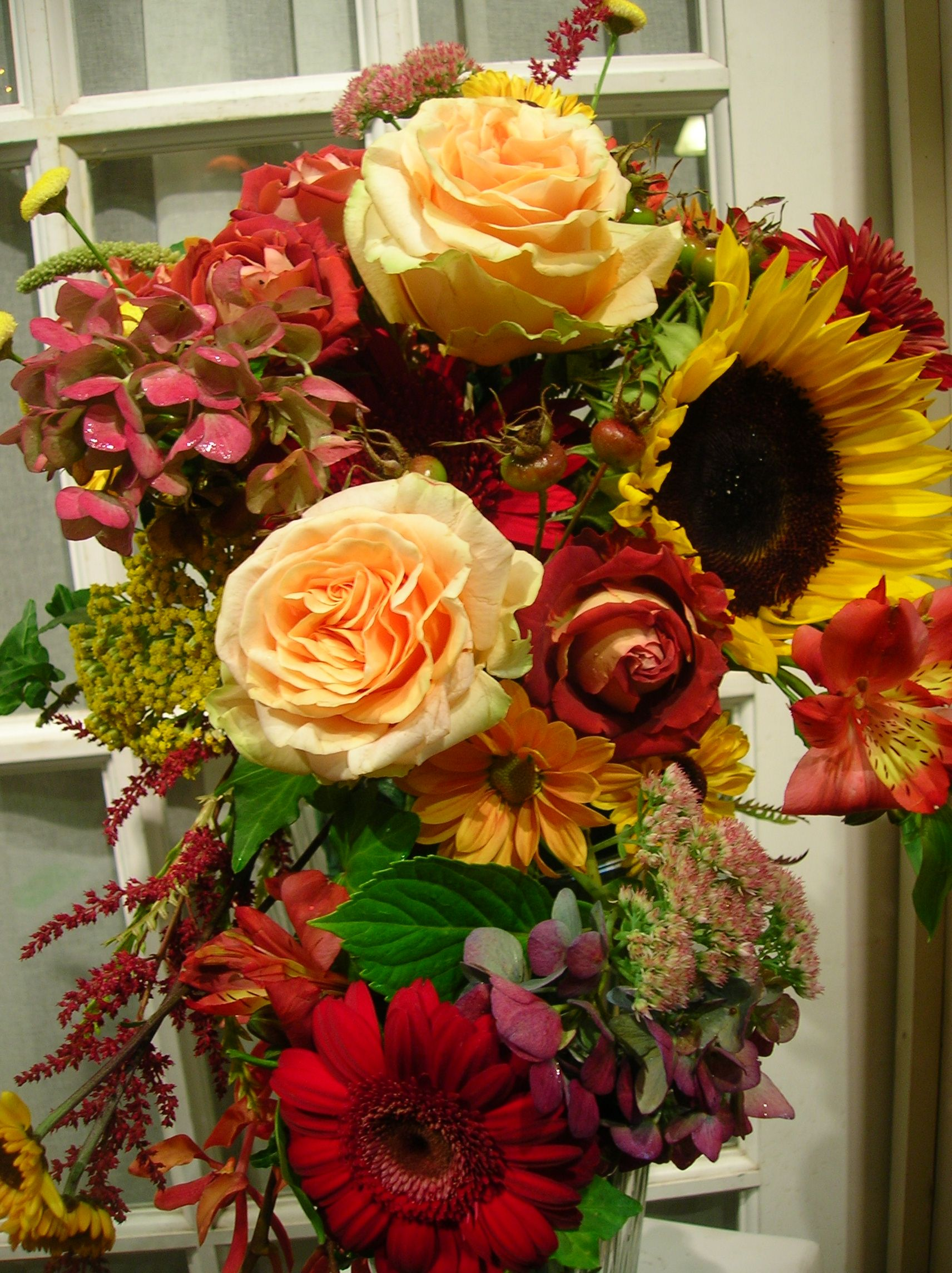 Fall wedding bouquets this is a lovley fall bouquet for a wedding fall wedding bouquets this is a lovley fall bouquet for a wedding party izmirmasajfo