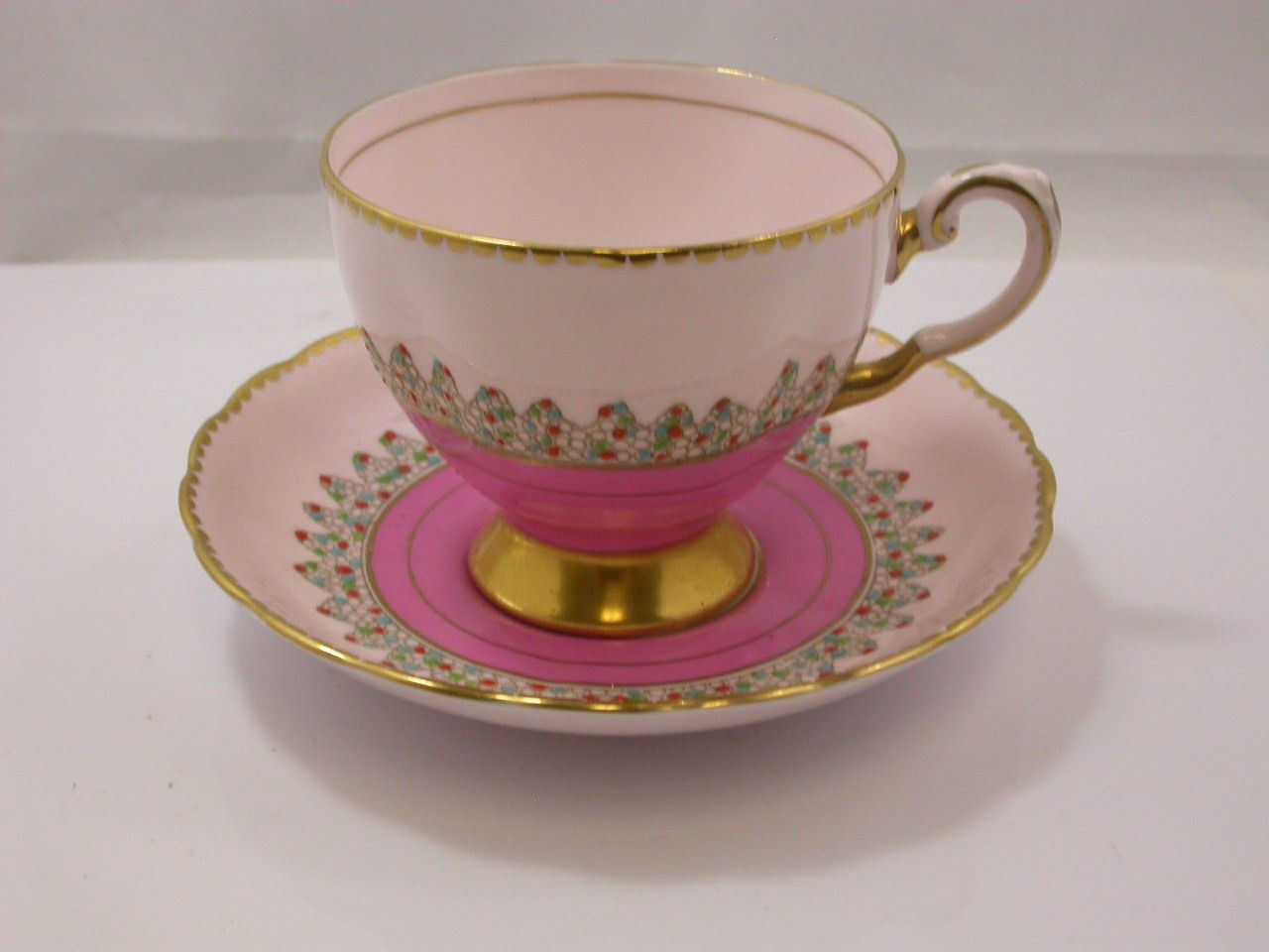Tuscan Bone China Cup Saucer Pink Gold Dots 8794h Pink Tea Cups Tea Cup Collection Tea Cups Vintage