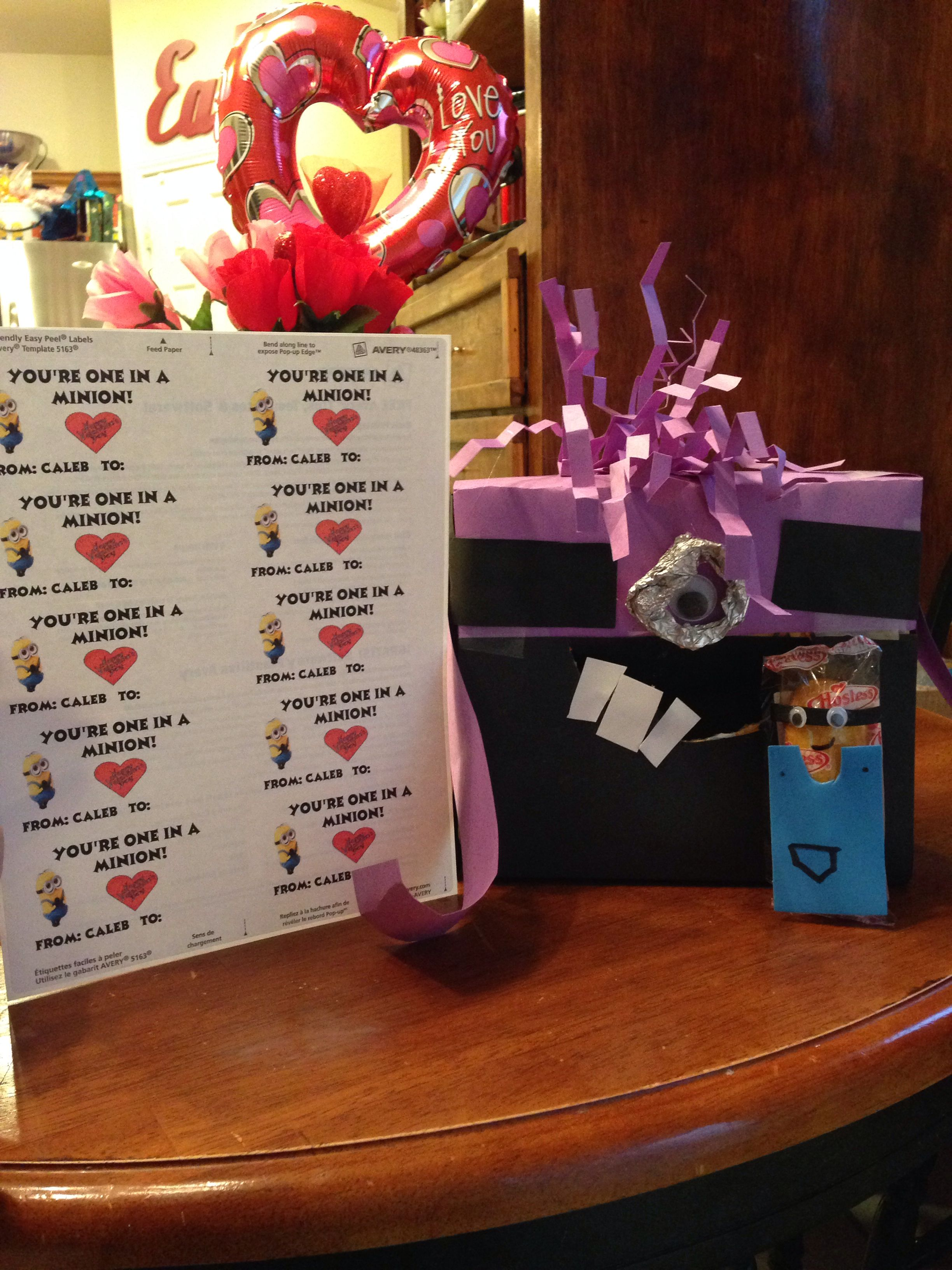 It S A Minion Valentine We Made A Purple Minion Valentine Box For Collecting Simple Construction Paper Lg Goog Minion Valentine Valentine Box Purple Minions