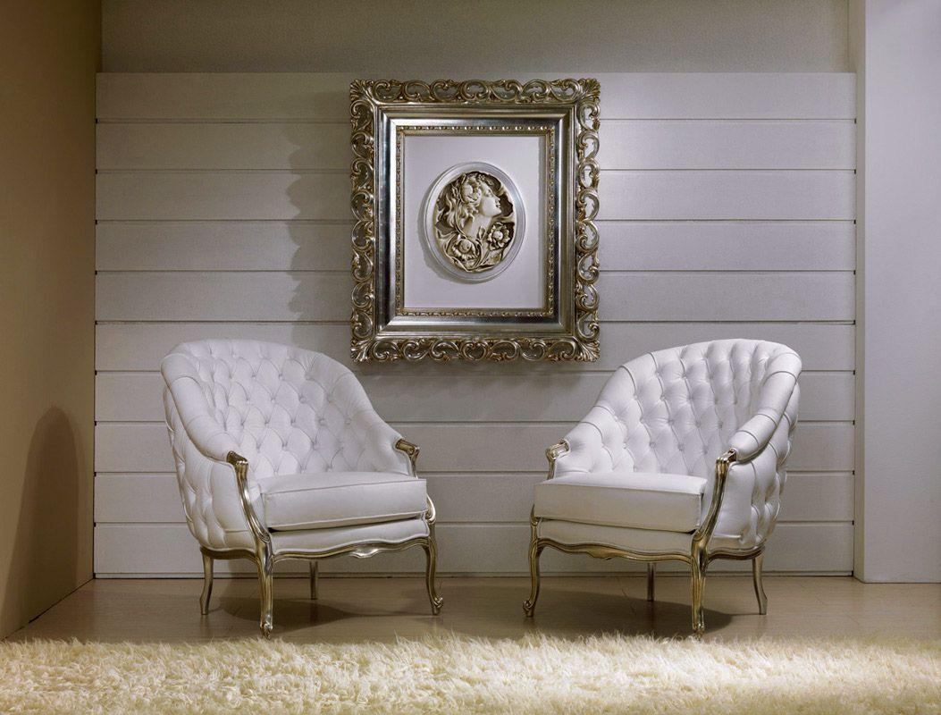 Sedie Barocche ~ Poltrone capitonne pelle bianca finiture argento foglia quadro
