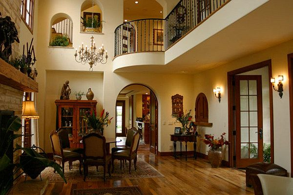 Decorating with a spanish influence spanish decorating for Spanish style interior design