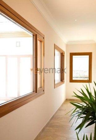Hoja recta las puertas y ventanas en madera y aluminio con for Ventanas de aluminio con marco de madera