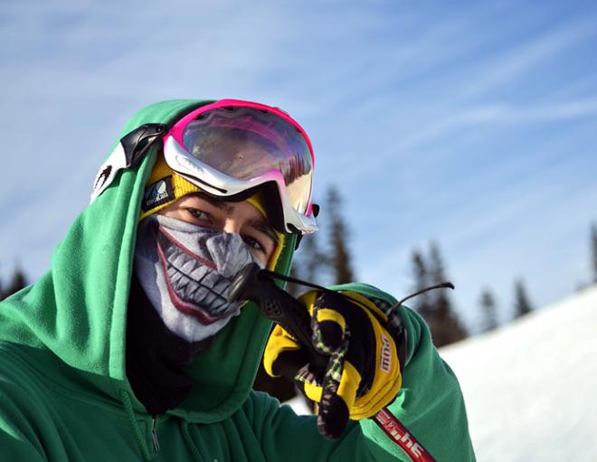 балаклава на лыжнике