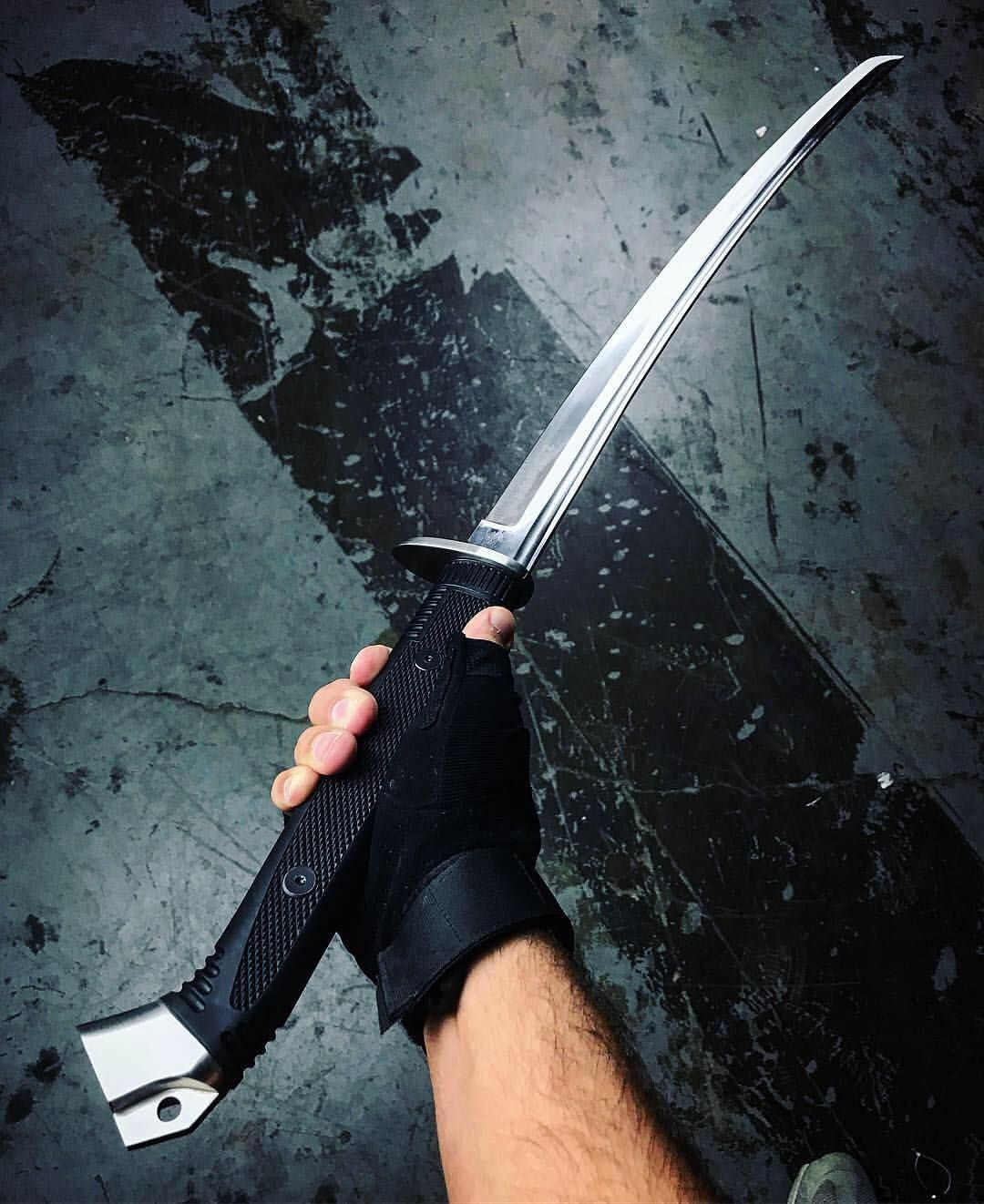 Modern warrior katana 😍... thoughts? - Buy yours ⚔️ @ link ...