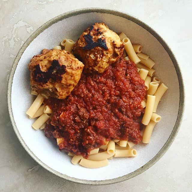 @eatbanza veggie meatballs tomato sauce eatbanza pasta bowl
