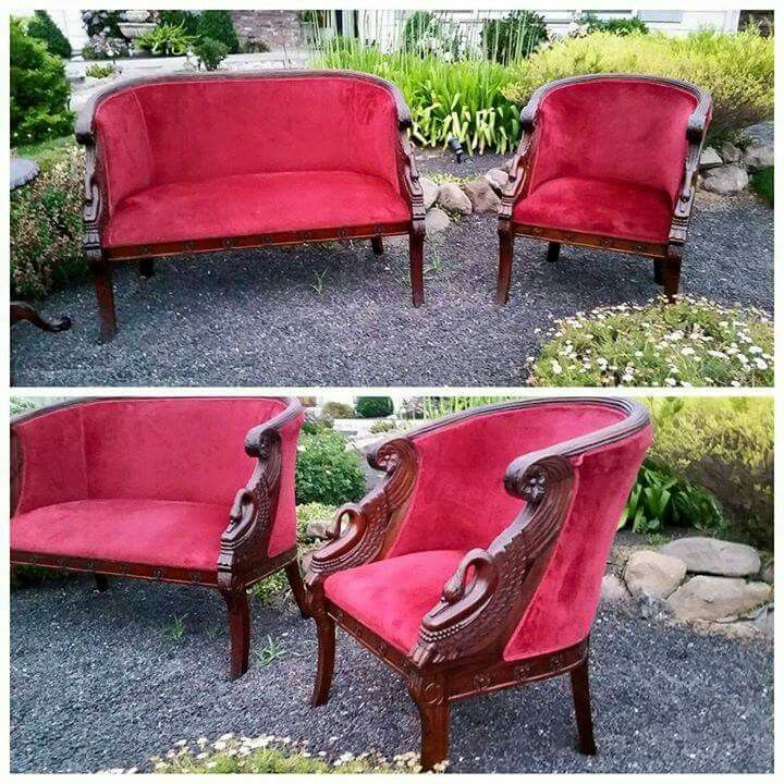 The Real Deal! Red Velvet Settee With Hans Carved Swans In Arm Rest!  Gorgeous