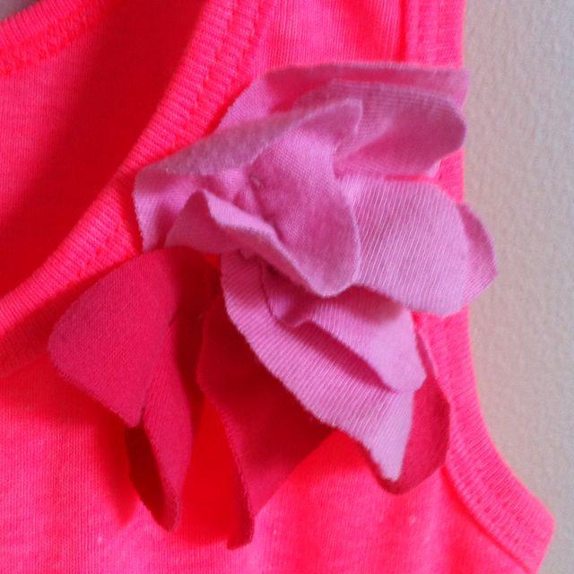T-shirt flower appliqué