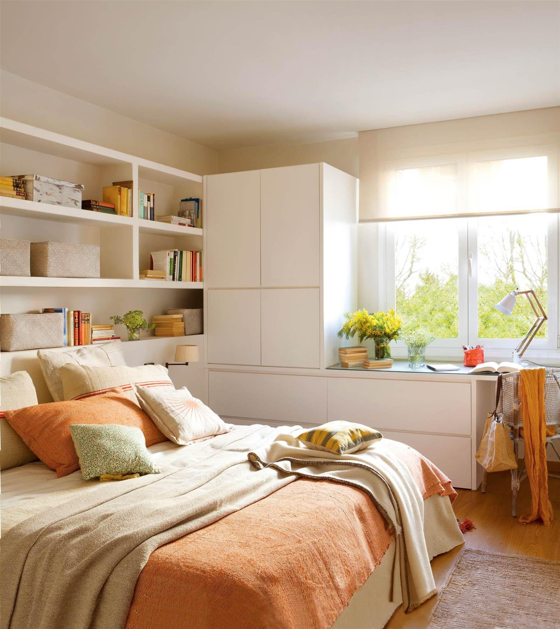 Dormitorio con cabecero armario c moda y mesa a medida - Comodas para habitacion ...