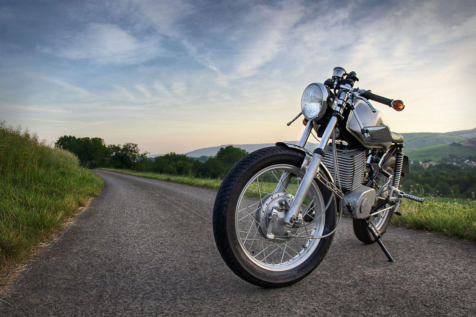 mz ts 250 cafe racer ratracer ostbikes umbau motorrad. Black Bedroom Furniture Sets. Home Design Ideas