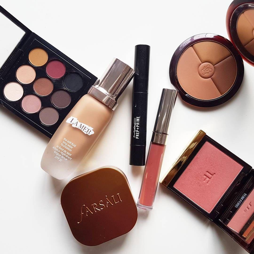 My latest makeup obsessions Farsali highlighter, LA MER