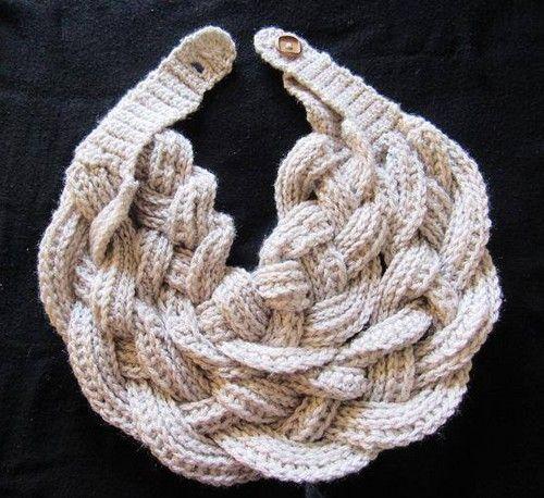 Il est toujours bon de trouver Foulard torsadée en crochet. Il est ...