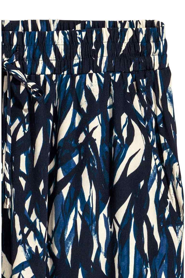 Falda arrugada - Blanco natural/Estampado azul - MUJER   H&M ES