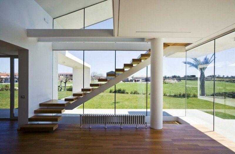 Escalier sans rampe, ni main courante en 12 designs cool - escalier interieur de villa