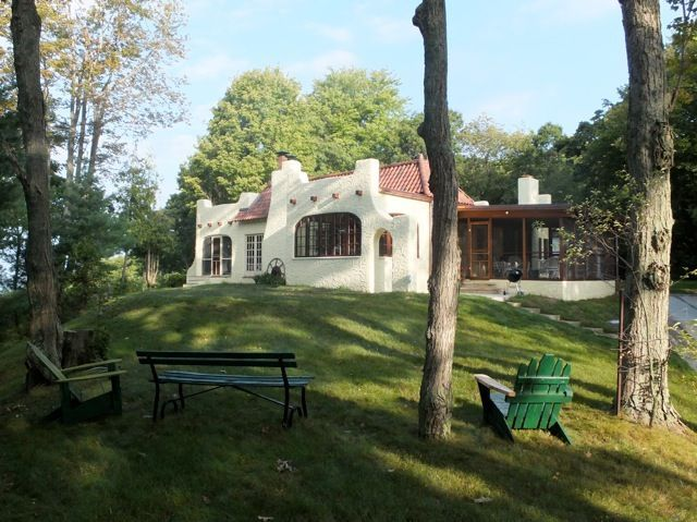 shelby cottage rental spanish cottage on lake michigan homeaway rh pinterest com